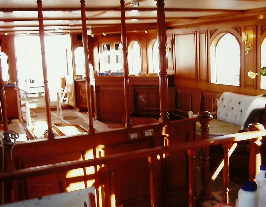 Stefano cigalini falegnameria for Arredamento yacht